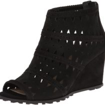 Via Spiga Latanya Wedge Sandal in Black Color